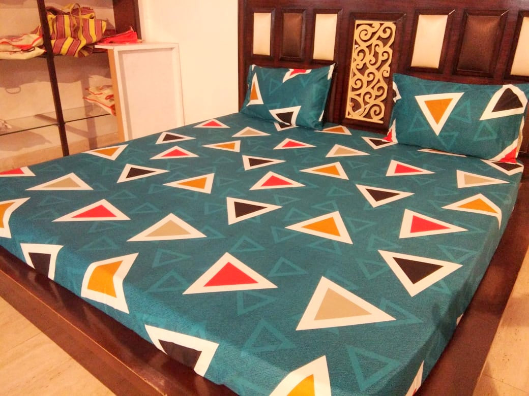 Triangles Pattern on Green Fitted BedSheet