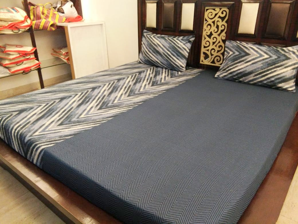 ZigZag and Plain Grey Pattern Fitted BedSheet