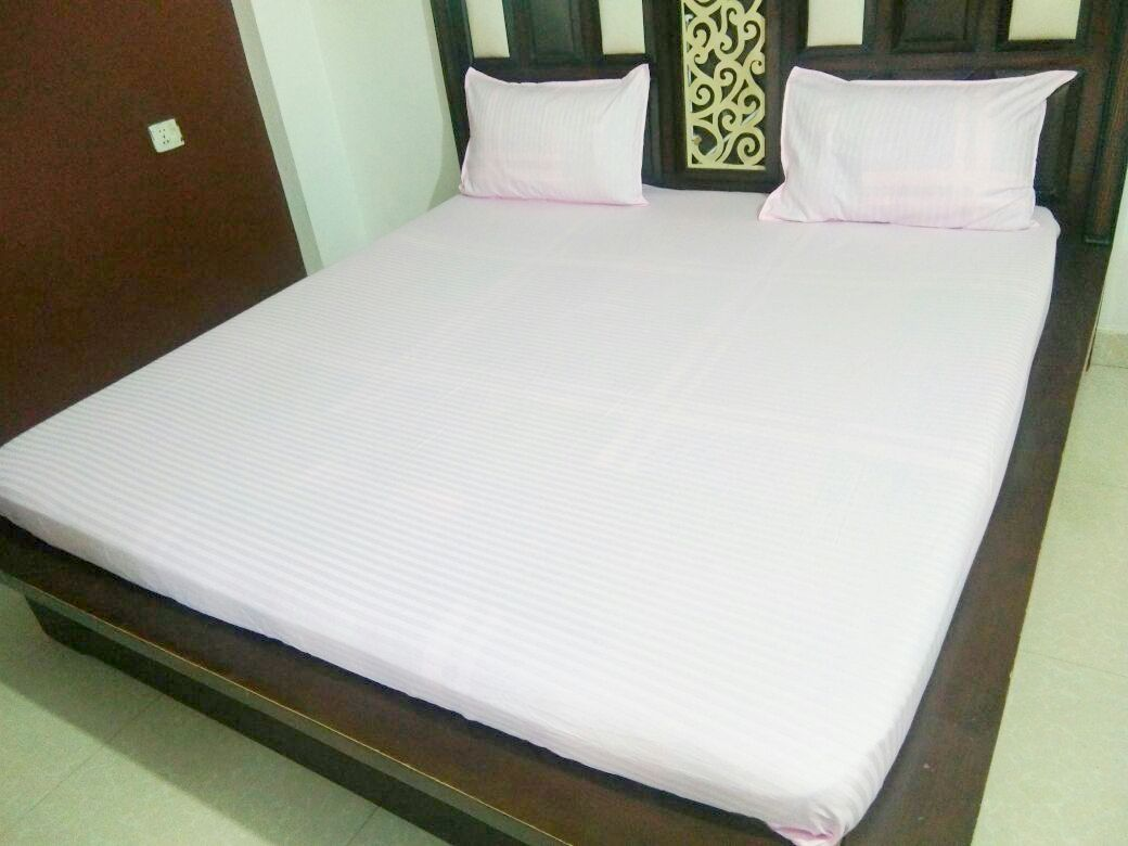 Plain Light Pink Fitted BedSheet