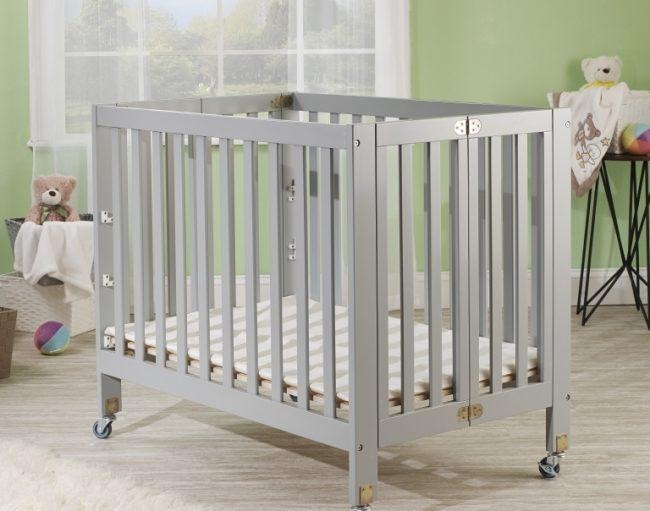 "Orbelle Roxy 3 Level Mini Portable Crib + Free 3"" Mattress - Mega Babies"