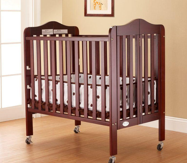 Noa Mini Portable Crib Cherry