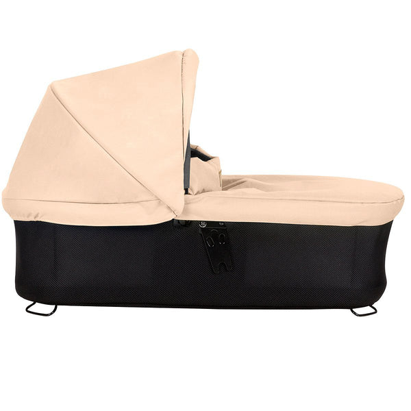 Mountain Buggy Urban Jungle / Terrain / +one Carrycot+