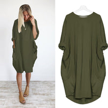 Women's Loose Big Pocket Crew Neck Dress - The Clothing Corp