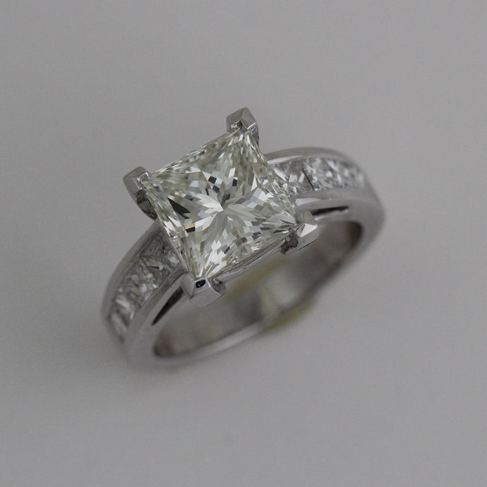 Princess Cut Diamond Engagement Ring - 4 CTW
