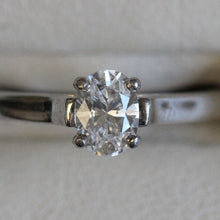 Load image into Gallery viewer, Tiffany & Co. Platinum 0.60 ct Oval D VS1 Ring