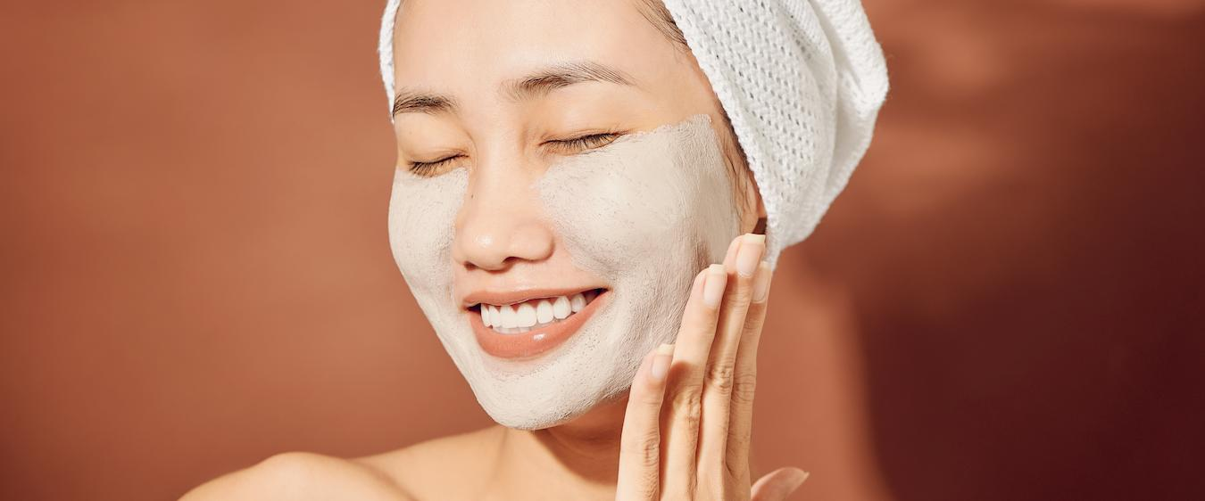 Antioxidants fight sun damage which can increase appearance of large pores
