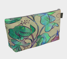 Queen Sweet Pea Makeup Bag in Greens