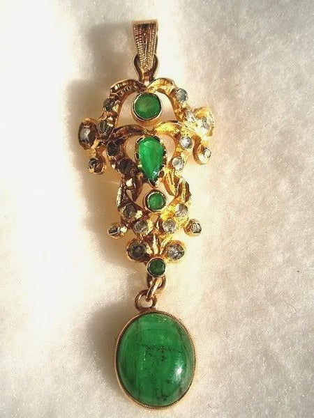 Emerald Rose Diamond 18k Mughal Pendant