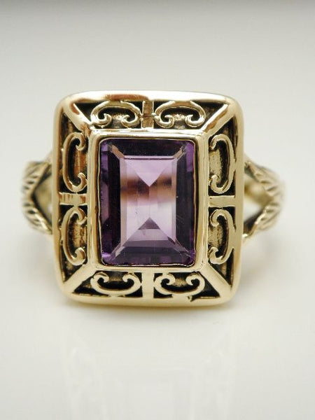 10k English Amethyst Ring