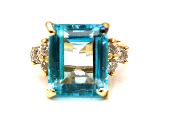 Blue Topaz and Diamond Ring YG