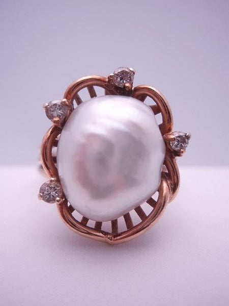 14k Mobe Pearl and Diamond Ring