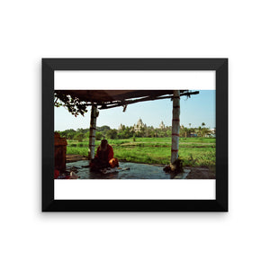 Indian Monk Praying in the Shadows Study -  Framed photo paper poster - Art Beauty Fashion