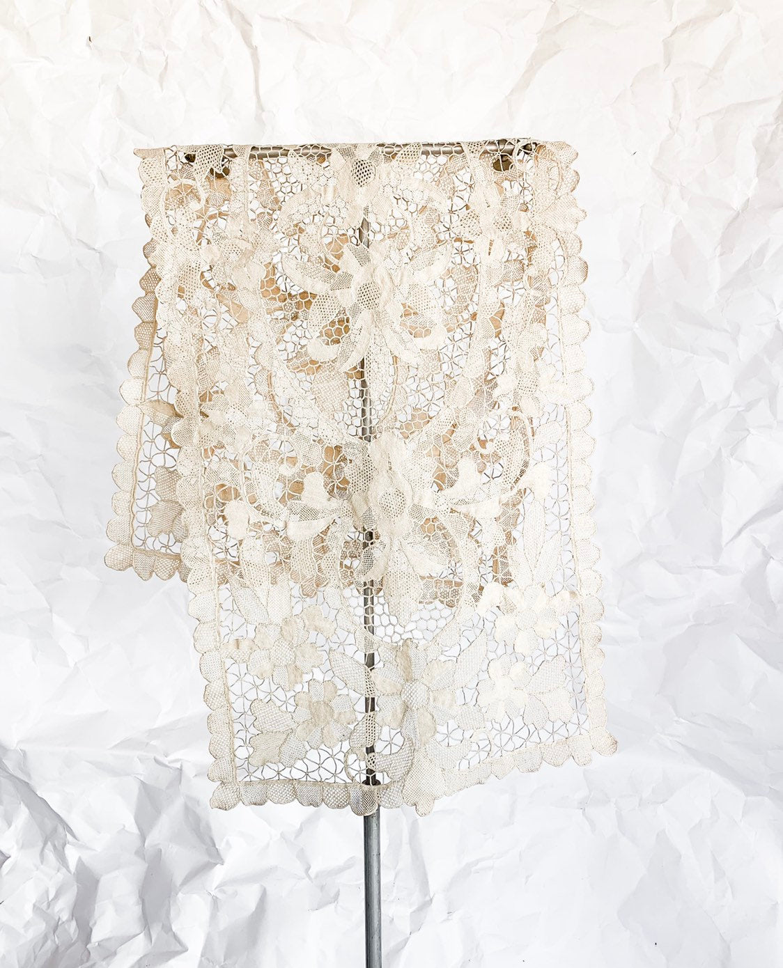 1920's Ecru Cotton Lace Table Runner