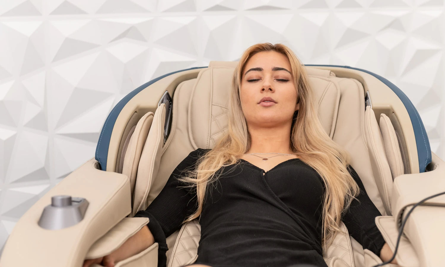 WHY DO YOU NEED A MASSAGE CHAIR?