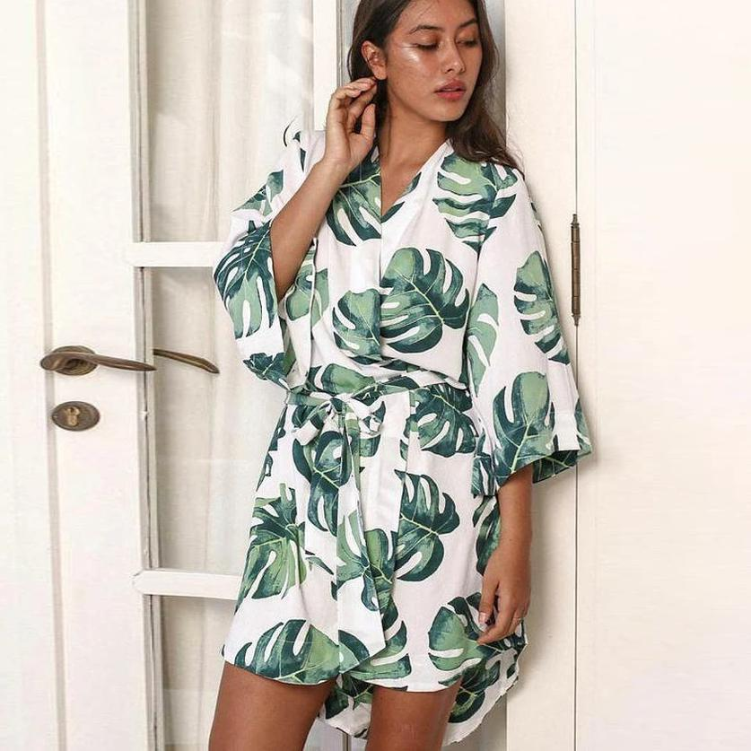Ficcia Loose Tropical Print 3/4 Sleeve Robe