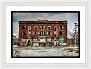 Urban Decay Building In Detroit - Framed Print