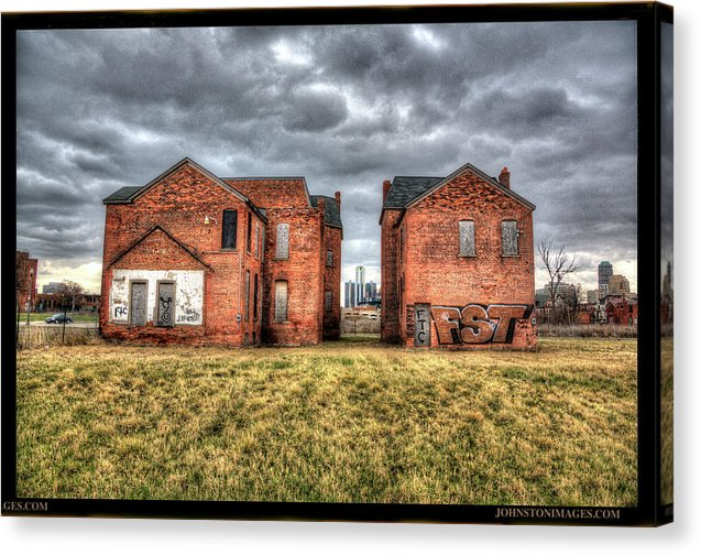 Urban Decay Houses In Detroit - Canvas Print