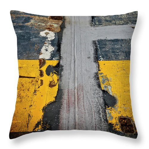 Uss Yorktown Deck - Throw Pillow