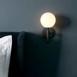 Miira Wall Lamp