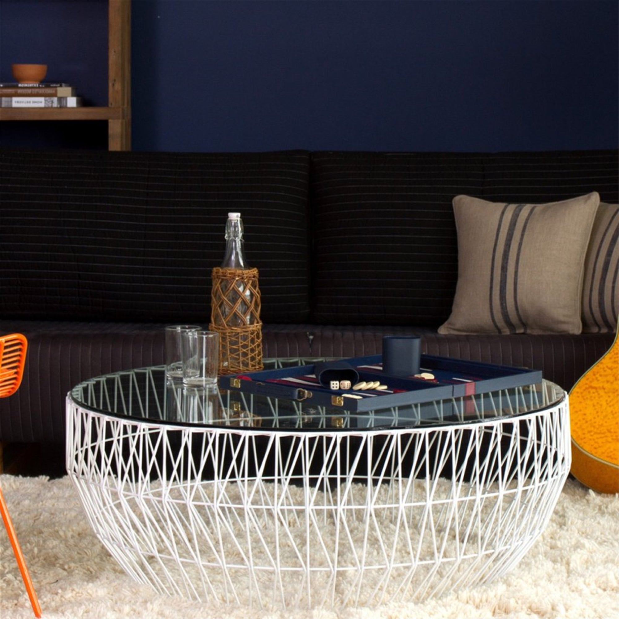 Bend Coffee Table: Metallic