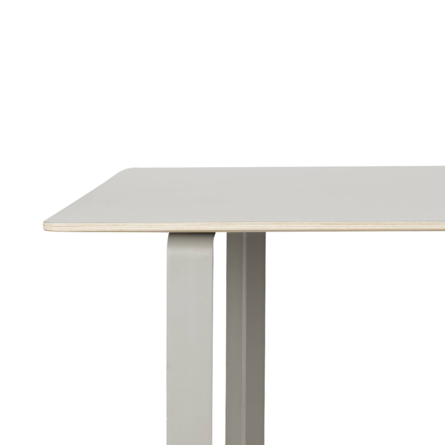 70/70 Table: Small