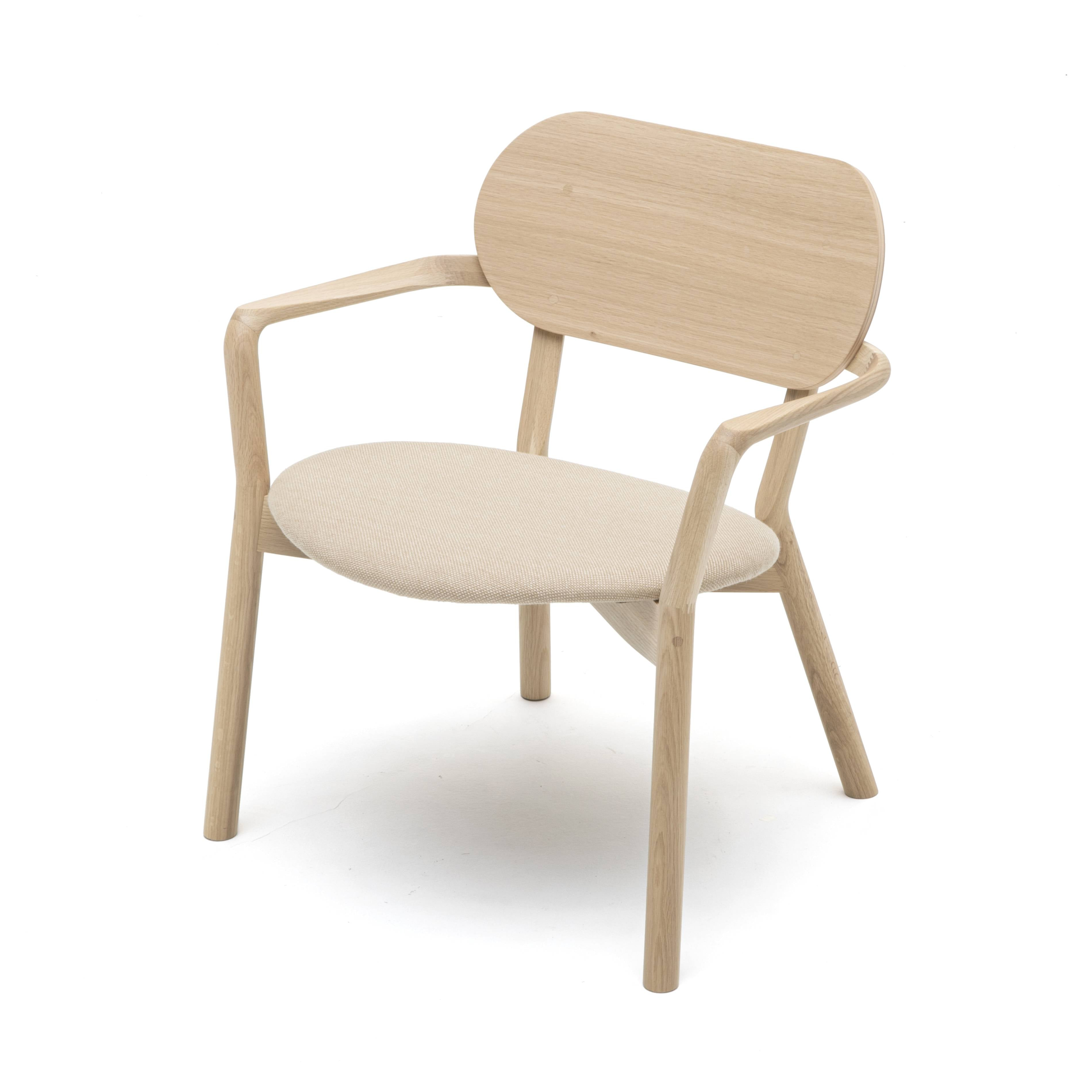 Castor Low Chair: Natural Oak + With Pad