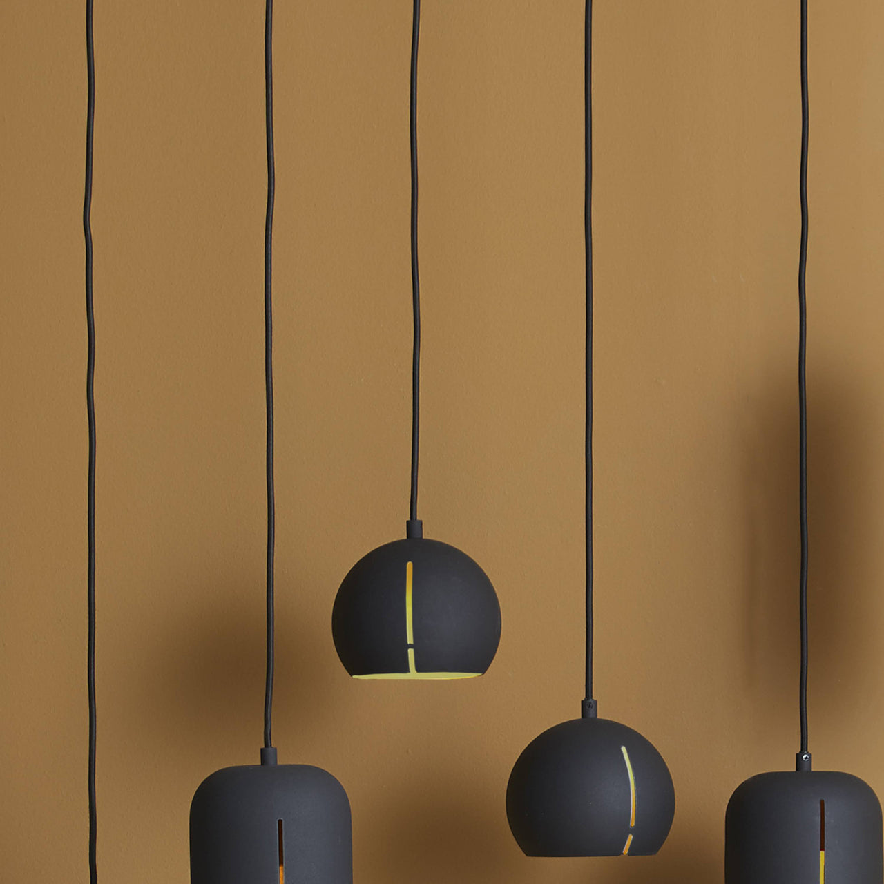 Gap Pendant Light: Round
