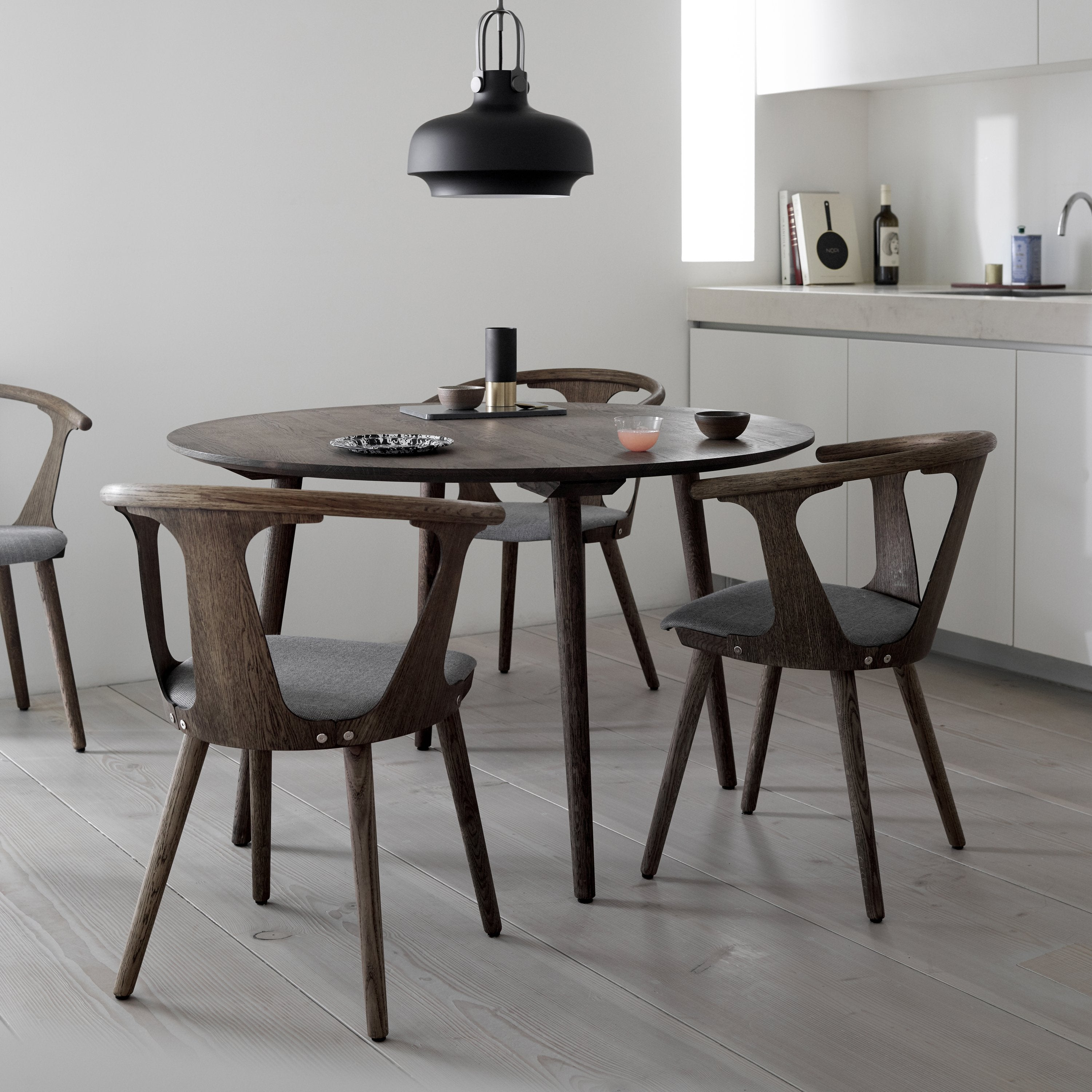 In Between Round Dining Table SK3 + SK4
