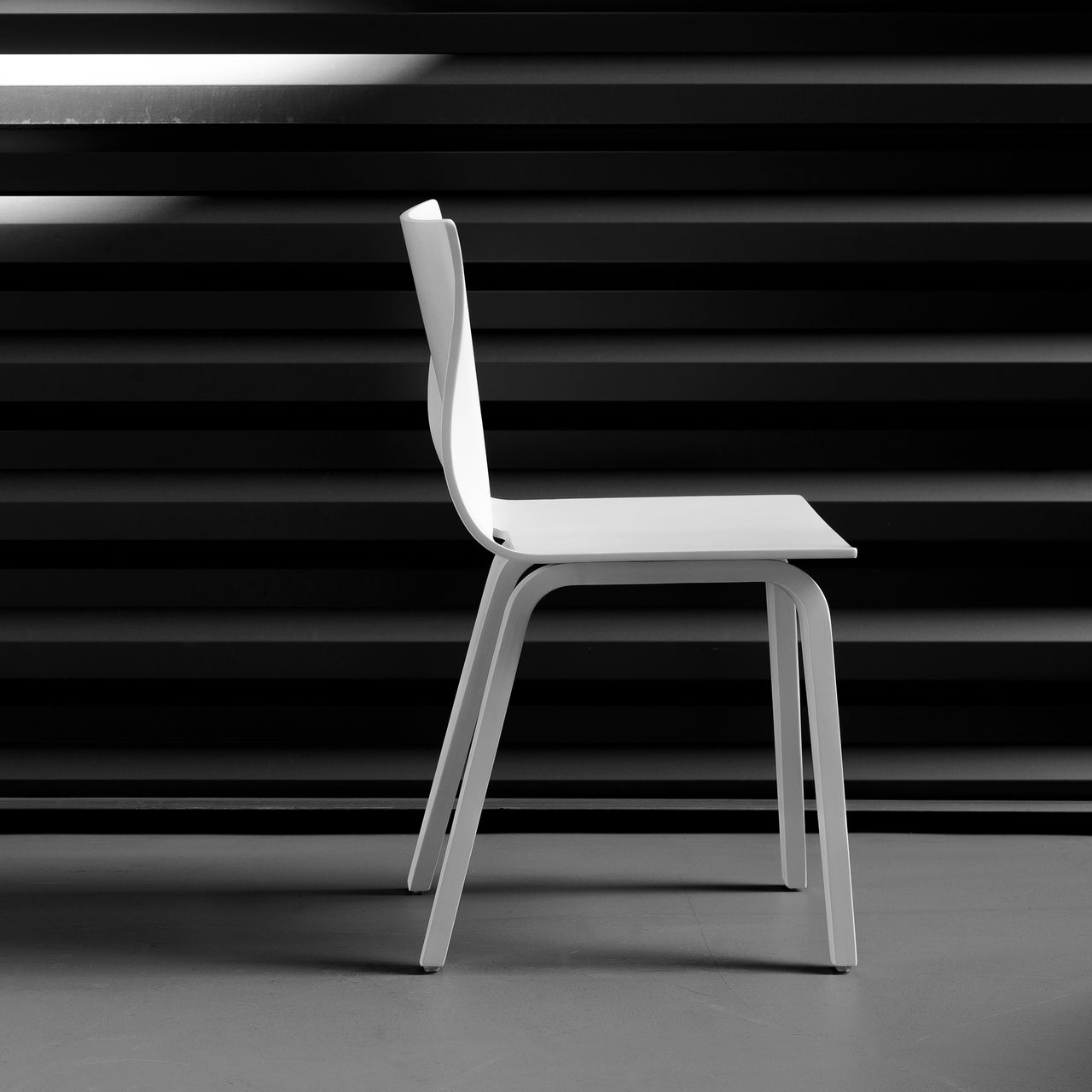 V Dining Chair