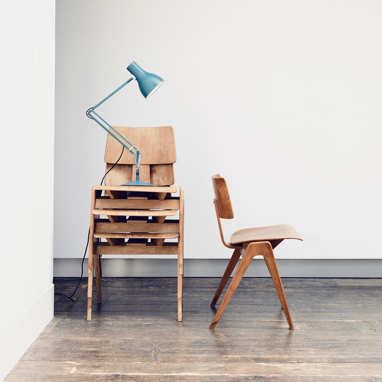 Type 75 Desk Lamp: Margaret Howell Edition