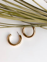 Caracas medium hoop gold earrings