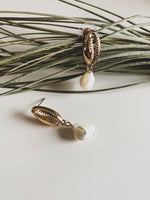 Margarita shell and pearls dangle earrings