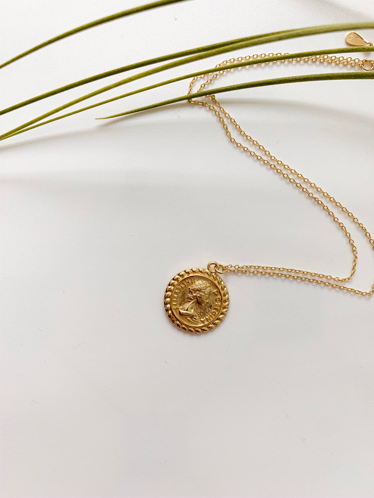 Corfu Pendant Necklace in Gold