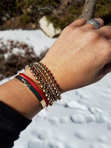 Bead bracelets are safe in the snow