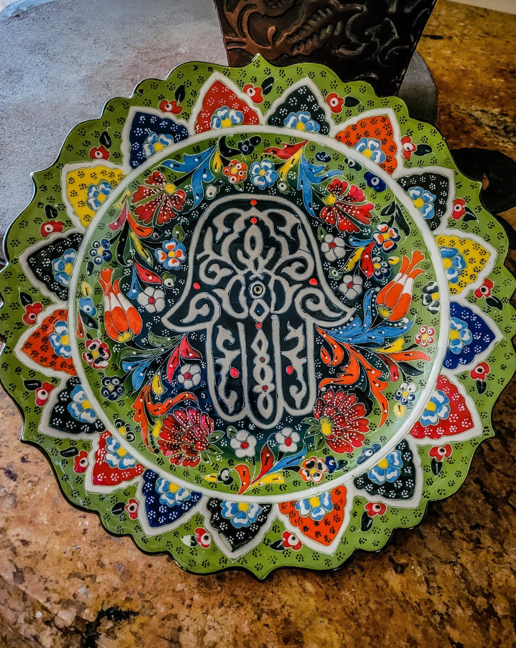 plate green hamsa for food