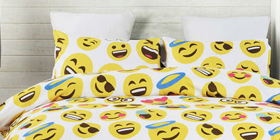 Vaulia Lovely Emoji Pattern Duvet Cover: Trendy, Colorful, Fun!