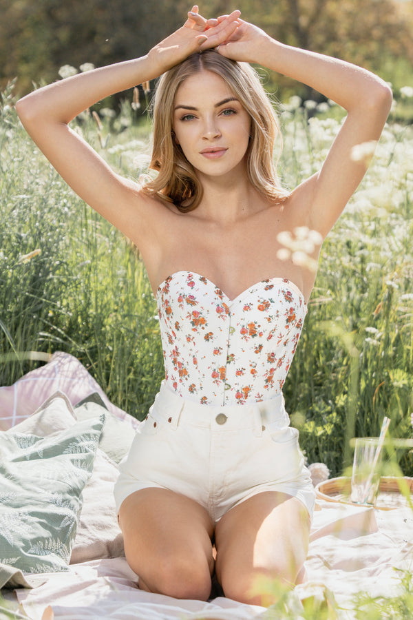 Floral Clasic White Overbust With Sweetheart