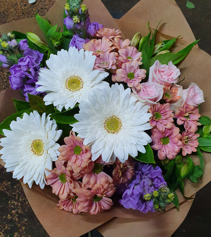 #B10# MIXED BUNCH FLORIST CHOICE