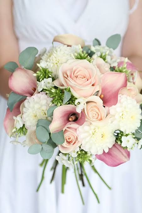 IMAGE W7 ROUND  BRIDAL  BOUQUETS