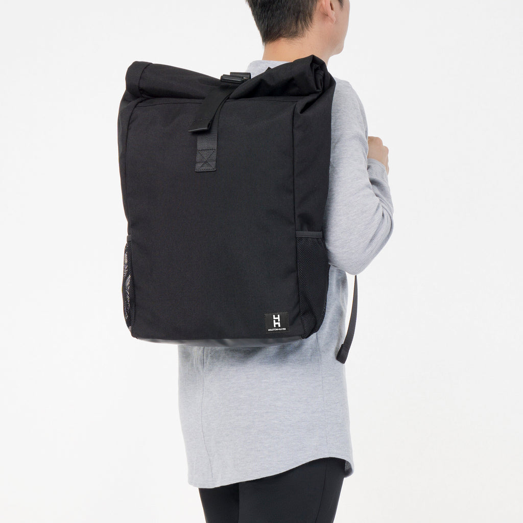 Roll Top Backpack / Obsidian