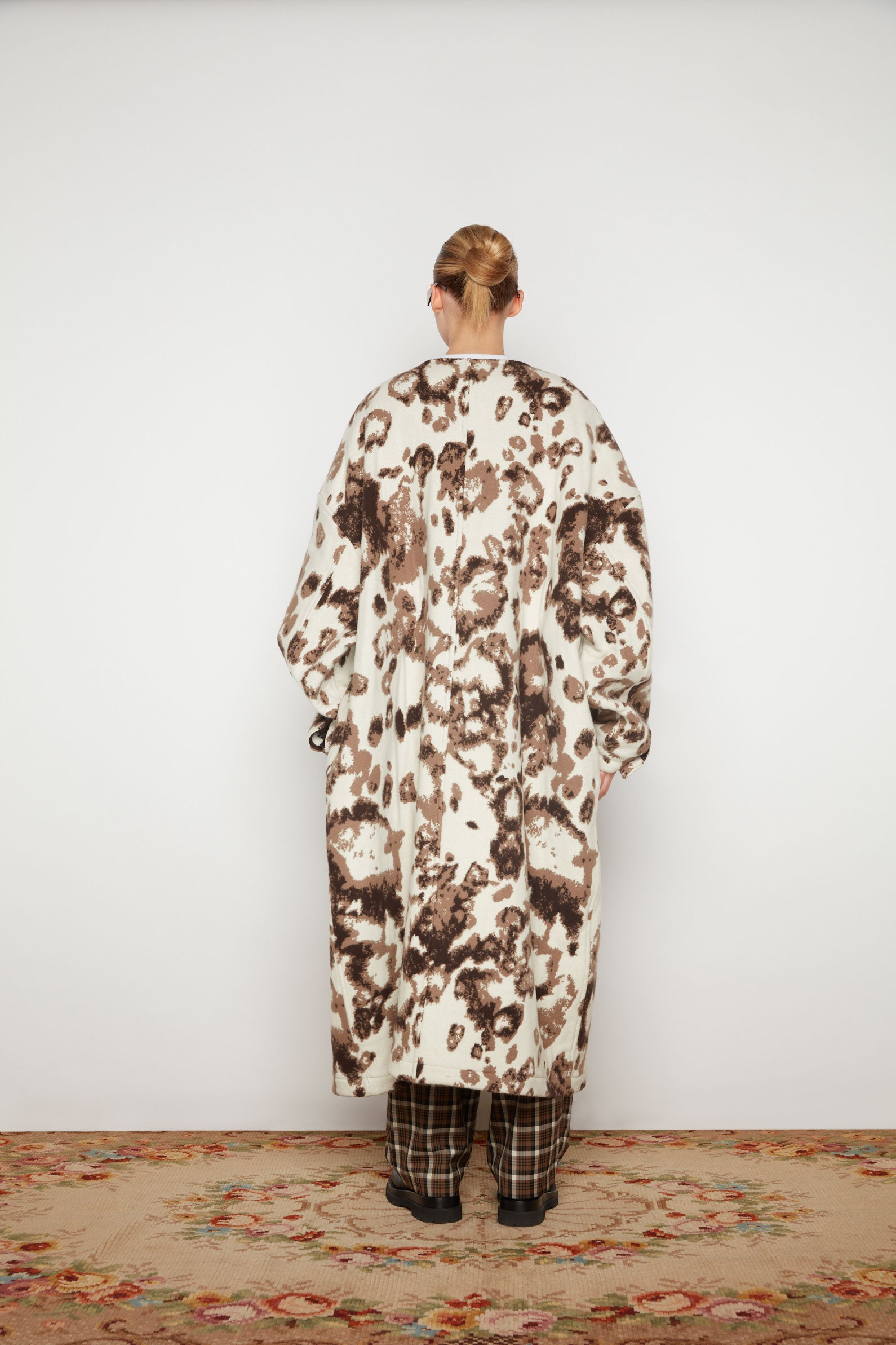 Wild Dog Round Neck Big Coat