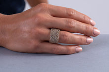 Champagne Diamond Pavé Band (18k)