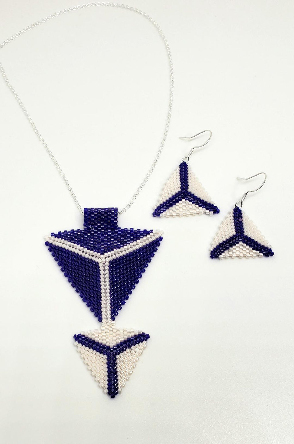 Navy and white double triangle set