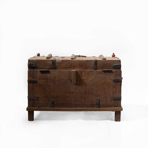 RUGGED WOODEN CHEST