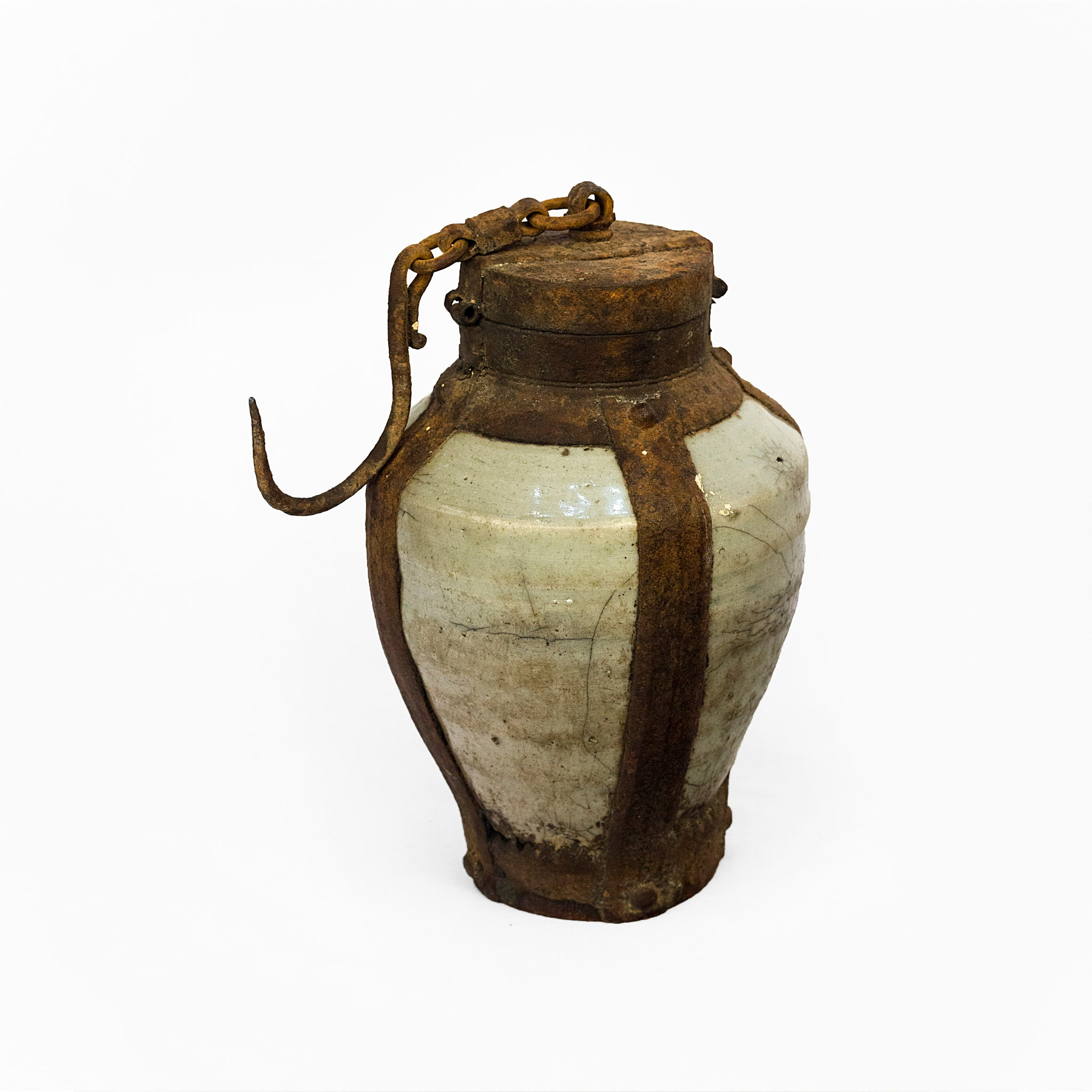 ANTIQUE GUNPOWDER FLASK