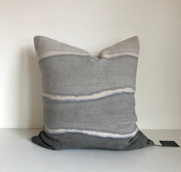 Cloud Grey Wave Gradient with Metallic Silver Pillow Cover