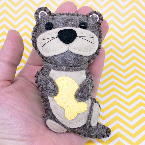 RARE Pocket Hug - Otter Essential Oil Diffuser Plushie
