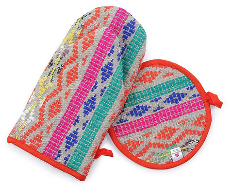 Fiesta Oven Mitts & Round Pot Holder