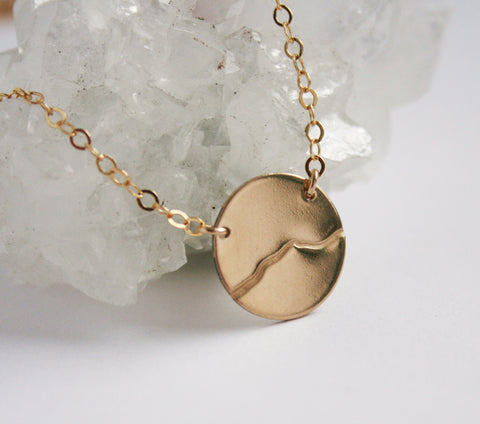 Camel's Hump SS Disc Necklace