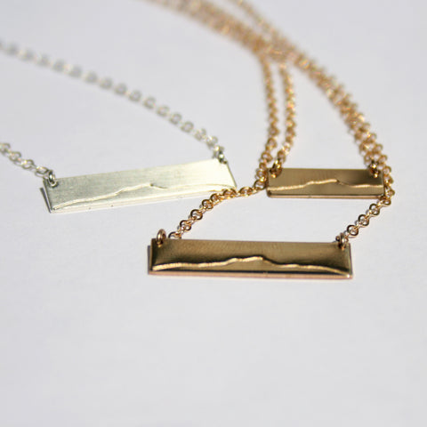 Camel's Hump SS Bar Necklace